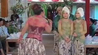 download lagu Acara Manten Lucu Banget Manggolo Di Cipok Bencong Cucuk gratis