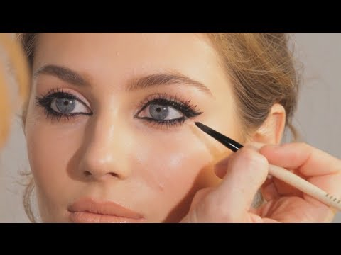 The Feline Flick - Cat Eye Make-up Tutorial | Charlotte Tilbury | @CTilburyMakeup