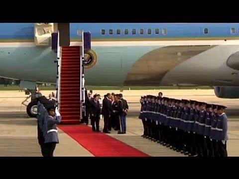 Obama arrives in Thailand