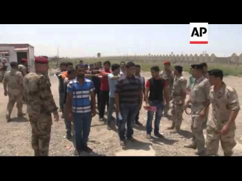 Iraq - Aftermath of bomb blasts that killed at least 31 and injured 37 / Suicide attack kills at lea