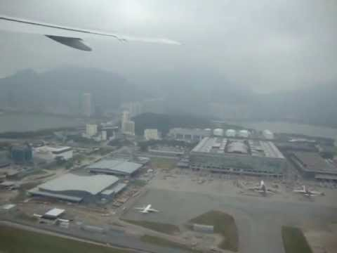 AIRLINE TRAVEL & AIRPORTS: Thai Airways B777-200 Take Off from Hong Kong Chek Lap Kok Airport