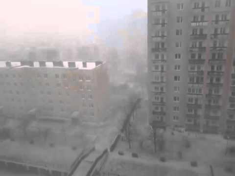 Burza śnieżna W Lublinie. Wyładowanie I Grzmot.