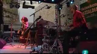 Esperanza Spalding -  I know you know (vivo)