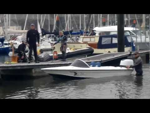 HOW NOT TO LAUNCH A SPEED BOAT
