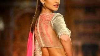 ileana hot ramp walk in saree