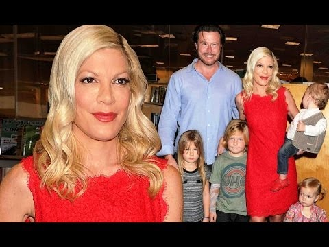 Tori Spelling Ignores Dean McDermott Cheating Allegations, Shares Family Christmas Photos