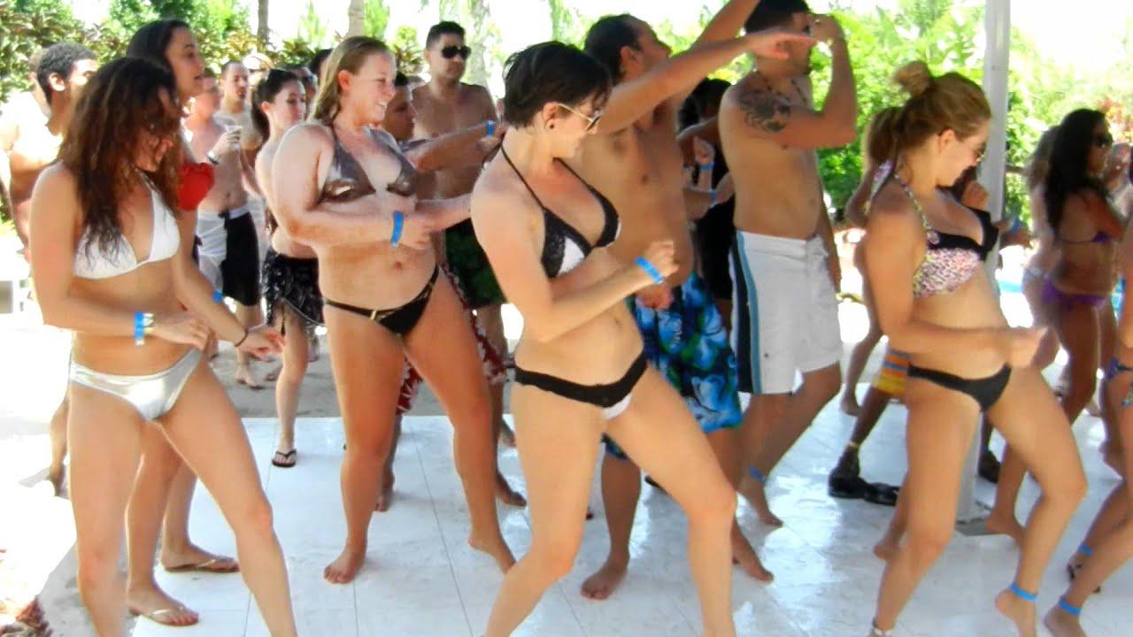 Orlando Salsa Congress Pool Party 2012 V I C Wobble Baby 2012 Youtube