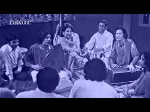 Ustad Amanat Ali Khan Fateh Ali Khan in Nikar(PTV)-kab aao ge...