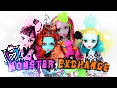 Doll Review: Monster High Monster Exchange   Plus American Girl Giveaway