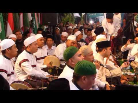 az zahir dan gus wahid - khudzuni