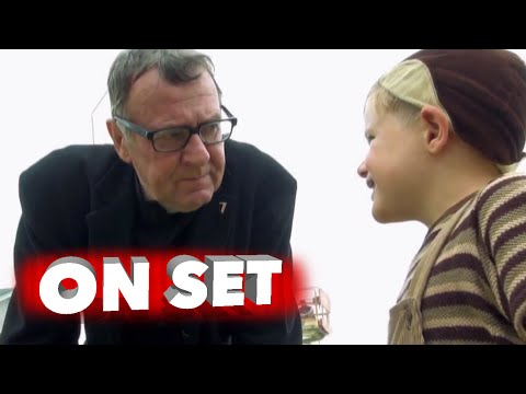 Little Boy: Behind the Scenes Full Broll - Kevin James, Tom Wilkinson