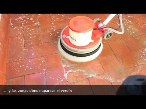 Limpieza de terraza exterior youtube for Limpiar juntas baldosas suelo cocina