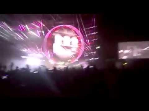 """Queen + Adam Lambert """"Radio Gaga"""" - 25/09/2015 - Estadio GEBA, Buenos Aires, Argentina"""
