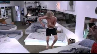 Big Brother 2011 - Väckning till The Trashmen - Surfin