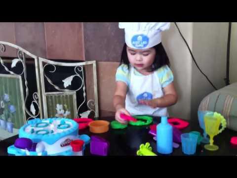 Kiara mei - cooking show - play Doh cake