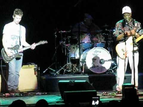 Jonny Lang and Buddy Guy Jamming 6/9/12- Wellmont Theater
