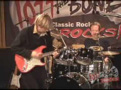 Eric Johnson Live @ 107 7 The Bone 12 To 12 Vibe