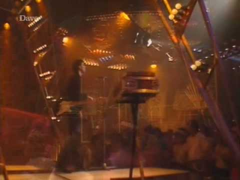 Stephen 'Tin Tin' Duffy - Kiss Me [totp2]