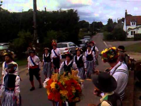 Morris Dancing - Blaxhall Ship Inn, Suffolk - Visiting Group
