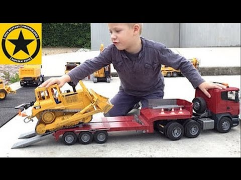 BRUDER Big Construction Site- Heavy Equipment + CONCRETE TRUCK Action by Jack (3)