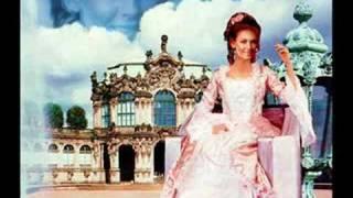 Watch Frida Slowly video