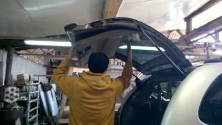 Снятие обшивки двери багажника Крайслер Вояджер,Таун Кантри,Додж Караван.