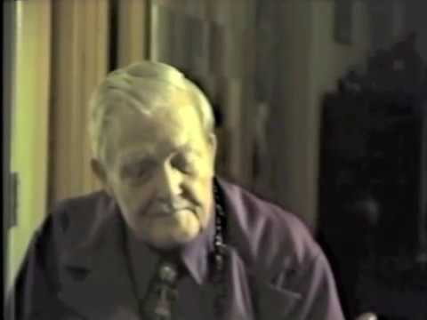 Dr. Milton H. Erickson Trains Students In Hypnosis (rare Footage- 1979) video