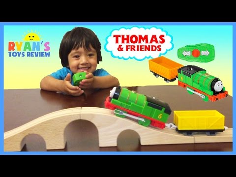 THOMAS AND FRIENDS REMOTE CONTROL PERCY TRACKMASTER Toy Trains for Kids Ryan ToysReview