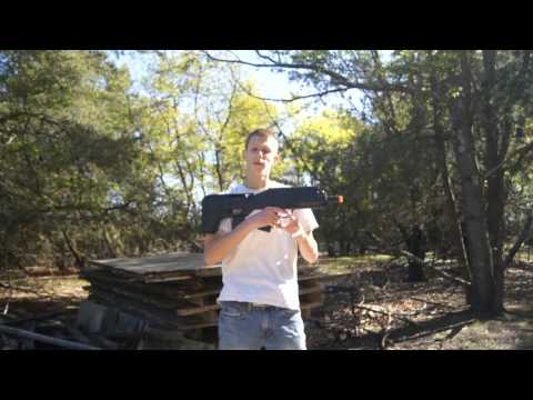 APS UAR (Black) Airsoft Gun Chrono/Shooting Test