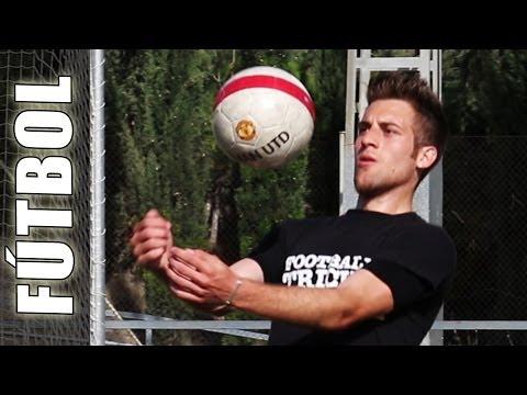 Como controlar el balón con el pecho en el fútbol