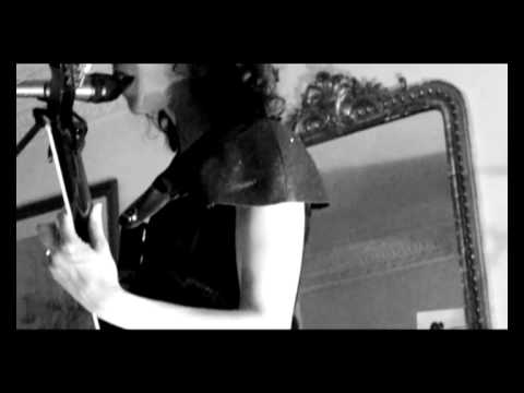 Annie Clark, St Vincent, BlackRainbow.Filmed by AmauryVoslion@obviousfilms.com