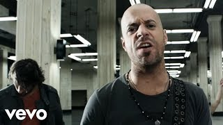 Watch Daughtry Crawling Back To You video