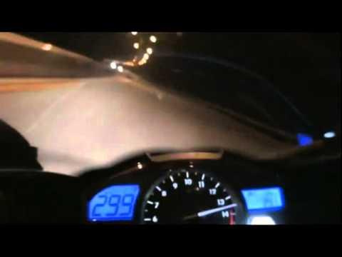 Yamaha R1 2013 - Pegando 300 Km/h - VESHH