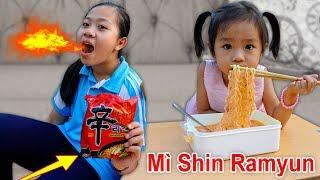 Trò Chơi Ăn Mì Nước Shin Ramyun Nongshim  - Bé Nhím TV - Đồ Chơi Trẻ Em Thiếu Nhi