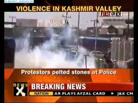 Police, protestors clash in J&K, six injured