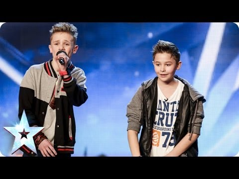 See more from Britain's Got Talent at http://itv.com/talent Simon finally gets around to pushing his Golden Buzzer for a youthful musical duo. Bars & Melody combine cuteness and originality,...
