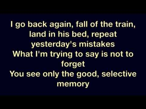 Shakira ft. Rihanna - Can't Remember To Forget You (Official Lyrics) [HD] itemprop=