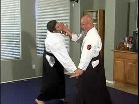 Aikido Basic Techniques : Ryote Tori Tenchinage