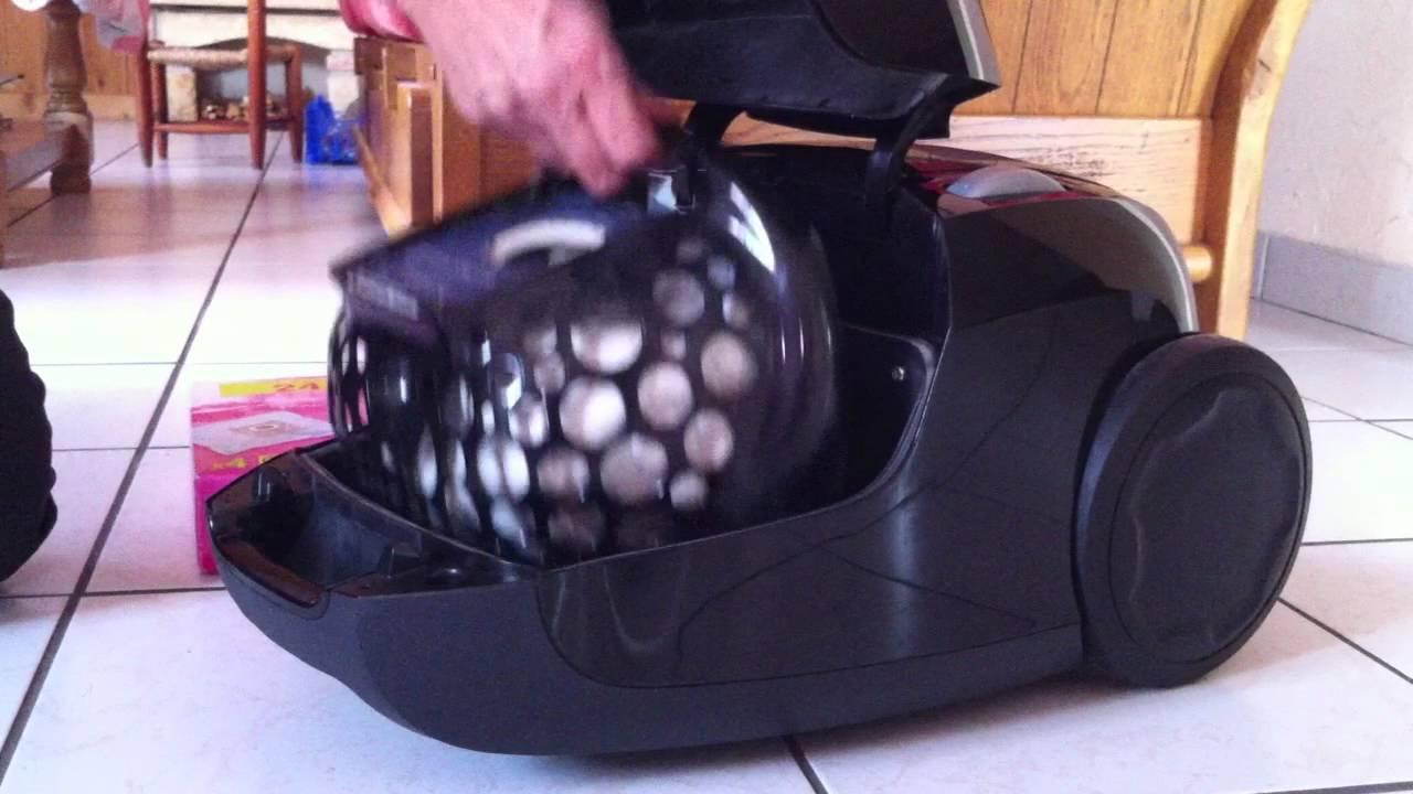 Comment changer le sac d 39 un aspirateur poussi re youtube - Comment ranger son aspirateur ...