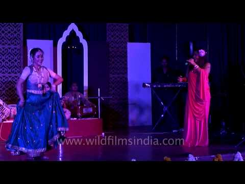Dr Soma Ghosh And Carlyta Mouhini Duet On ayo Re Maro Dholna At Caravan-e-ghazal video