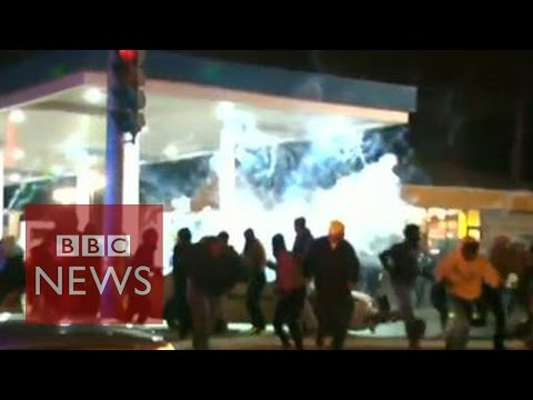 St Louis: Unrest after police killing of teenager - BBC News