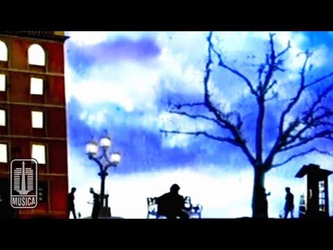 Iwan Fals - Manusia 1/2 Dewa (Official Video)