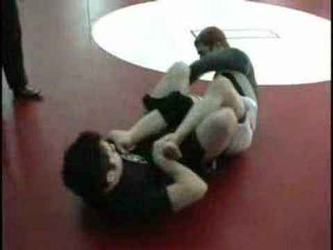 Reilly Bodycomb: Viktor Roll in no-gi Grappling Image 1