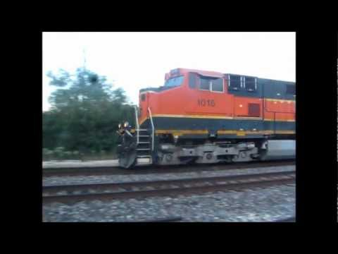 I wandered around in Berwyn and Forest View today on BNSF's Chicago (ex-BN, CB&Q) and Chillicothe (ex-ATSF) Subdivisions, respectively. Here's what I saw: Tr...