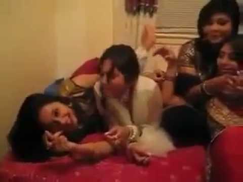 Hot Desi Romance Of College Girls video