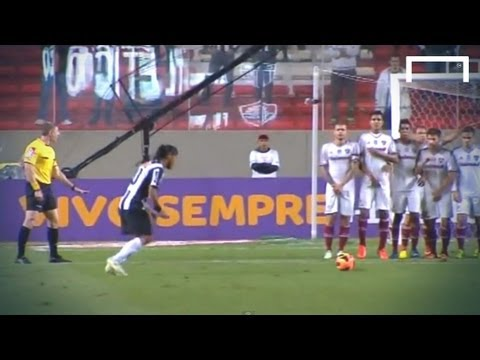 Ronaldinho scores two superb free-kicks - Atletico Mineiro v Fluminense