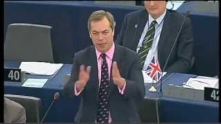 "Nigel Farage (Bruxelles) ""in Grecia e Italia due governi fantocci"". (Da ASCOLTARE).17\11\2011. mp4"