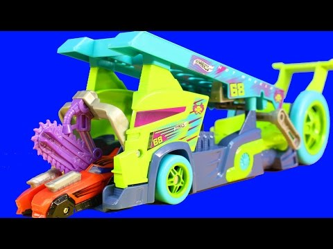 Hot Wheels Load Split And Launch X-Blade Rig Split Speeders Smashes And Crashes