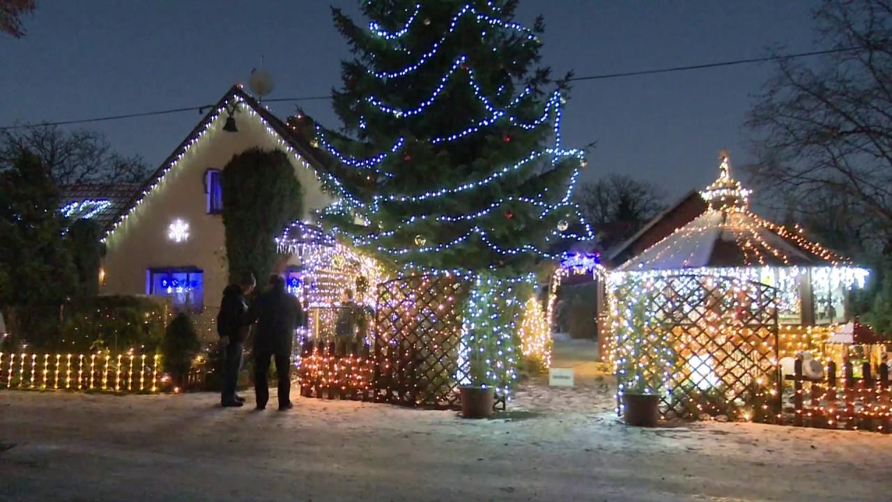 Video Největší vánoční výzdoba na domě