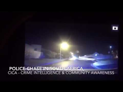 Police car chase - Criminals crash vehicle while being pursued by LEOs in Western Cape, South Africa